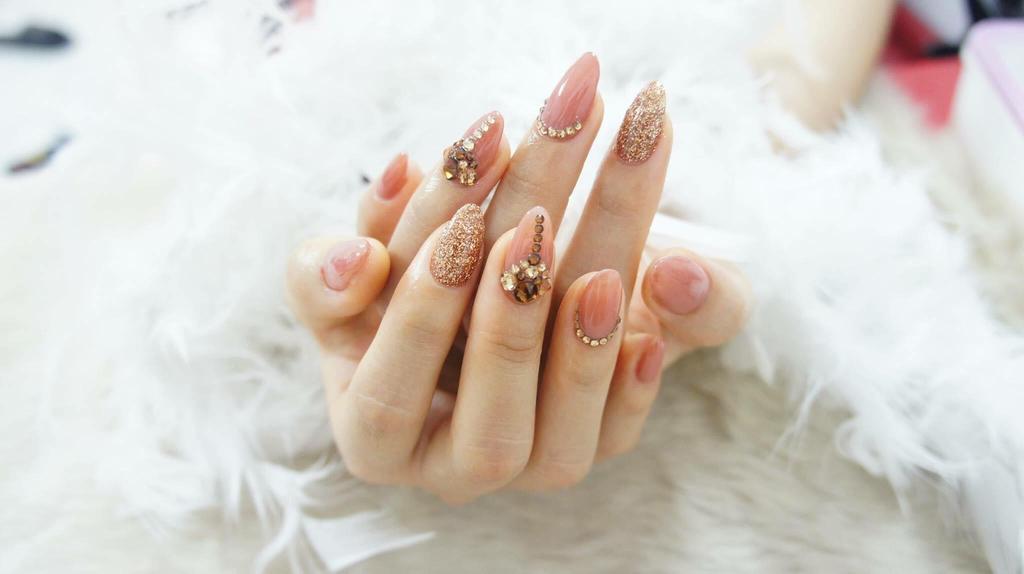 Chun Nails