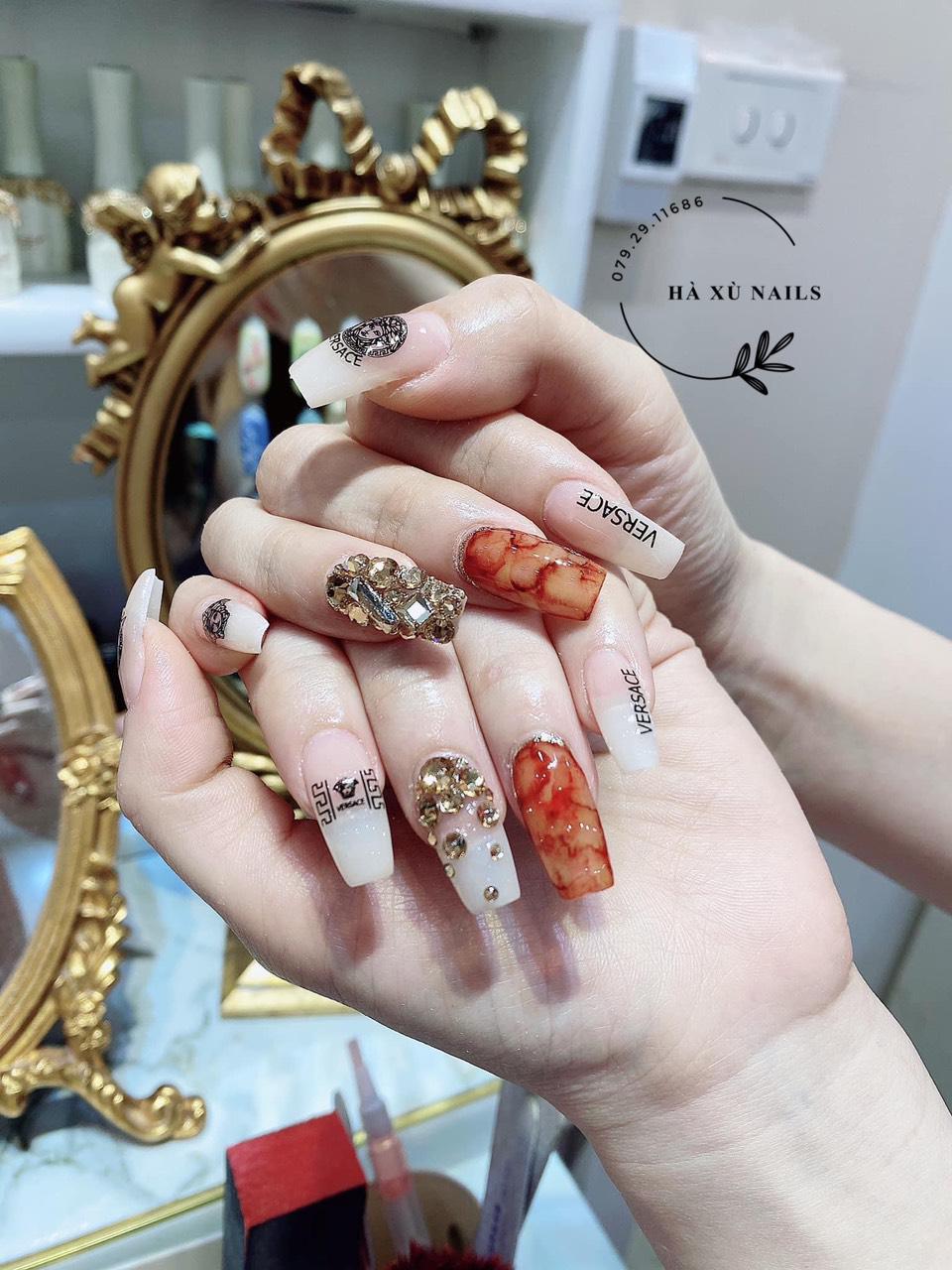 Hà Xù Nails